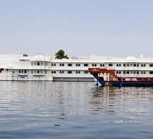 Jagmandir Lake Island, Udaipur : A fairy Tale