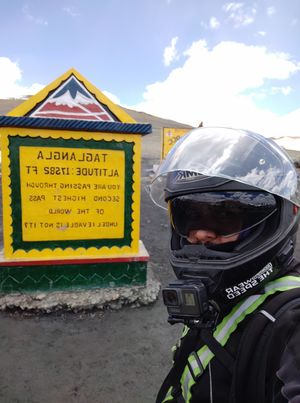 Day 9 Groups Leh-Ladakh ride ( Karu-Jispa )