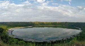 Have u guys heard of India's very own meteor impact lake??? The Lonar lake