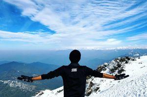 A walk along the misty Himalayas..!