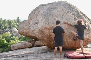 Bare hands on boulders (Hippie Island, Hampi)