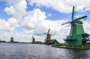 Netherlands: Day Trip to Zaanse Schans, Zaandam, Edam and Volendam