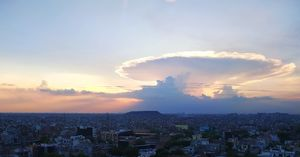 Beautiful Cloud Formation...Devine Chariot
