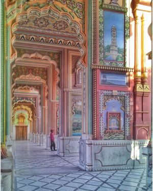 Moment of royalty! Patrika gate in Jaipur is such a delight to watch. #rajastahninphotos