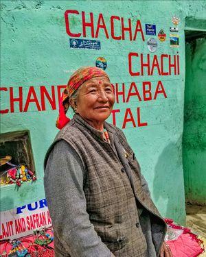 Chacha Chachi's Chandra Dhaba, Batal