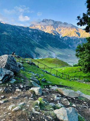 """I've never seen anywhere in the world as beautiful as """"Kashmir"""" !!#KashmirDiaries"""