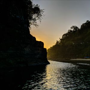 Boat ride in Umngot river at Dawki, Meghalaya
