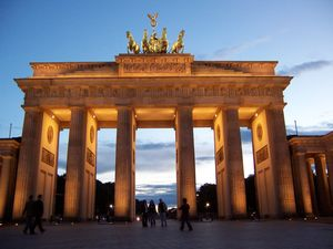 Brandenburg Gate (Brandenburger Tor) 1/undefined by Tripoto