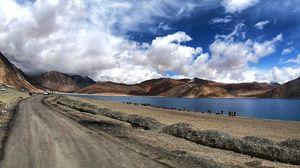 Pangong Tso - A beautiful lake ????
