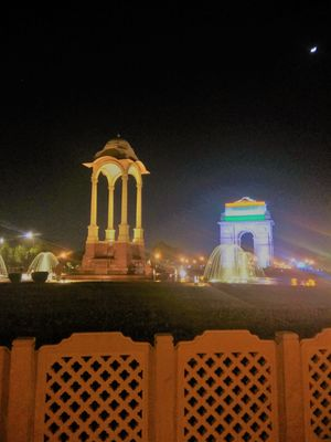 The Patriotic vibes in Night are Brighter at India Gate!