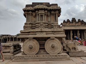 Ruin yourself in Hampi for a weekend !!!