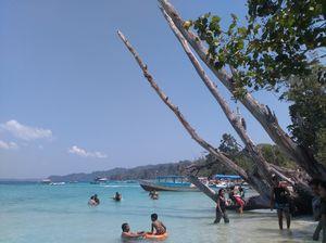 Elephanta Beach ! Water Sports, Fun !
