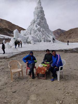 Chilling @ Ice Cafe, Gya