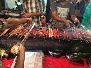 Street Food Extravaganza. #streetfoodpics #IWillGoAnywhereForFood