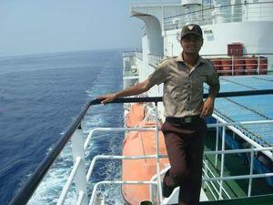 Travelled to Kavarati Island (Capital of Lakshdweep Island) through Ship form Kochin to Kavarsti.
