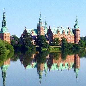 Frederiksborg Slot 1/7 by Tripoto
