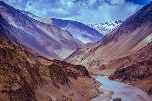 लेह-लद्दाख का सफर: ऐसे करें अपने ज़िंदगी के सबसे बेहतरीन अनुभव की तैयारी