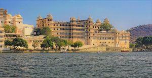 झीलों के शहर 'उदयपुर' में मनाएँ रोमांचक छुट्टियाँ