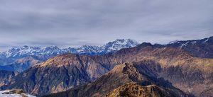 उत्तराखंड की एकल यात्रा: पहाड़ों के बीच ट्रेकिंग का मज़ा