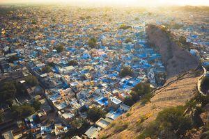 नीलम-सी चमकती, राजस्थान की 'ब्लू सिटी' की यात्रा, वो भी बजट में!