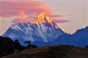 नन्दा देवी पर्वत: खुफिया परमाणु मिशन से लेकर नरकंकालों तक, इस खूबसूरत जगह में दफ़्न हैं कई राज़!