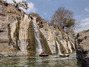 Hogenakkal: A must visit for an Aquaholic