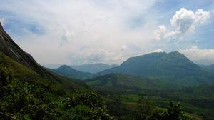 Munnar - Lush Green Hills - God's Abode - P3
