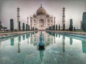 Glimpse of The Taj Mahal in morning