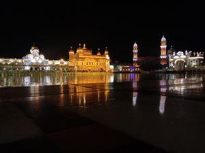 Amritsar: Visit Golden Temple, reminisce Indian history & get authentic taste of Punjabi delicacies.