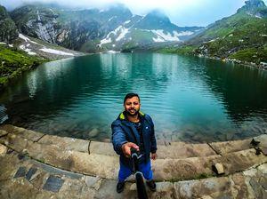 Hemkund Sahibji - World's highest Gurudwara (4633 m) #selfiewithaview #tripotocommunity #travel