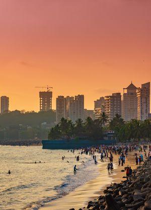 Mesmerizing Sunset at Marine drive, mumbai