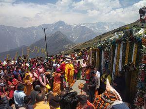 Tungnath Ji Doli Procession, Divine gates opening