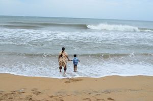 Mahabalipuram beach and around: Blue skies, spicy fishes and mesmerizing shorelines.