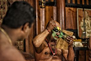 You can't afford to miss classical dance when you visit Kerela! #kathakali