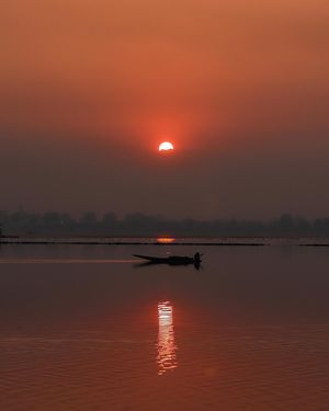 Sun set view dal lake srinagar kashmir
