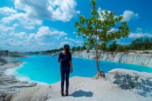 this is koalin lake on Bangka island, base of pinang, this lake is a former tin mining because the c