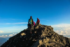 Mount Kerinci with a height of 3805 masl is located on the border of Jambi and West Sumatra, because