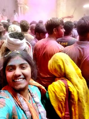 My first ever Solo Travel to Vrindavan Holi 2019 at the age of 23.#SelfieWithAView #TripotoCommunity