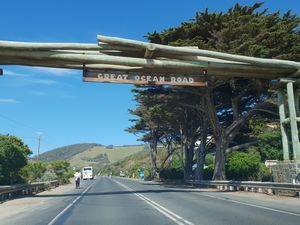 Must Watch - Drive through Melbourne & Great Ocean Road