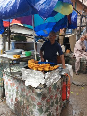 The best tikki in jammu.by dharampal dogra ji .see the rush of tikki lovers