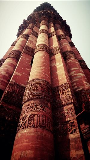If u want to see full lenght of this monument then first hold ur CAP