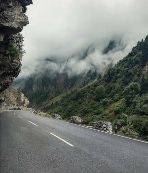 My girlfriend ditched me and i took a solo to rishikesh : A story you would love to know