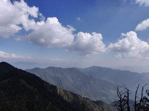 thrillwrill.com: Trek to Nag Tibba summit : A not so famous trek in the lap of humongous Himalayas