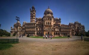 A day trip to Lakshmi Vilas palace