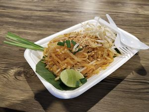 Exploring the best of Thailand's Street Food! Here are the Top 10 dishes.. #foodtrail