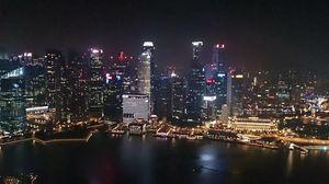 Solo in Singapore!