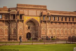 5 Must Visit Spots to Visit at Agra Red Fort