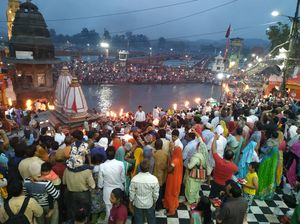 The city smells of Devotional Vibes...
