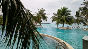 MALDIVES- LUXURY ON A BUDGET- Part 2 I MALDIVES ACCOMMODATION l HOLIDAY INN l VILLA & RESORT TOUR