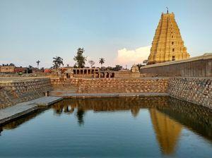 Sri Virupaksheshwara temple - Hampi